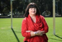 Raelene Castle determined to stay as head of Rugby Australia
