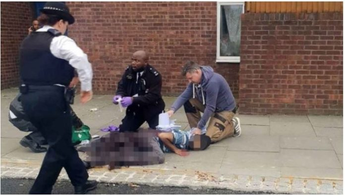 Man stabbed in London