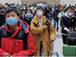 Asians wearing masks during covid19 outbreak
